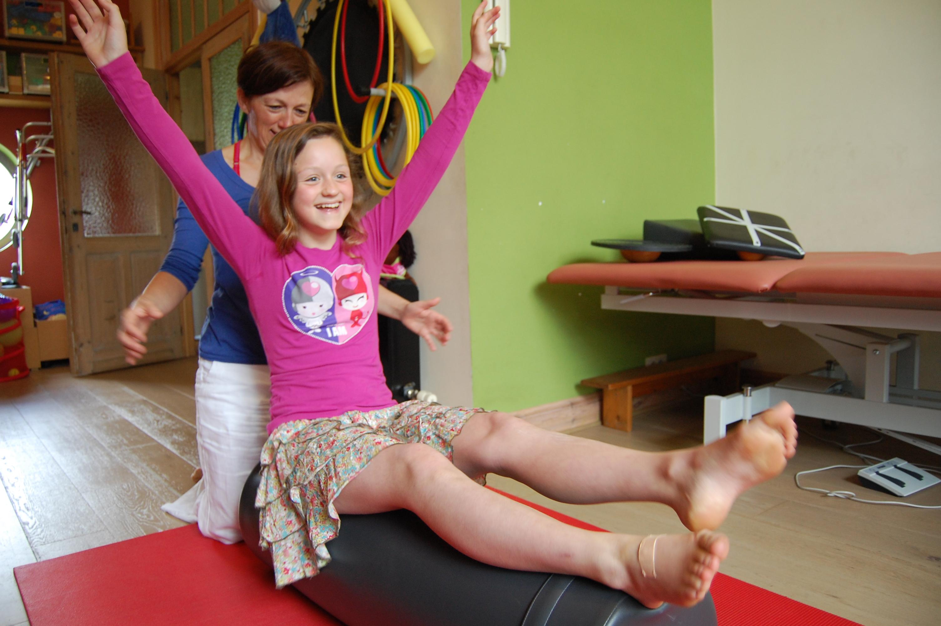 Motorische ontwikkeling oefening, kinderkinesitherapie